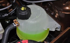 Охлаждающая жидкость в бачке