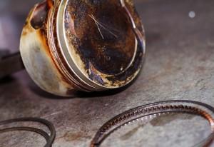 Износ маслосъемных колец