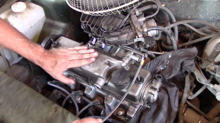 Двигатель вибрирует и стучит