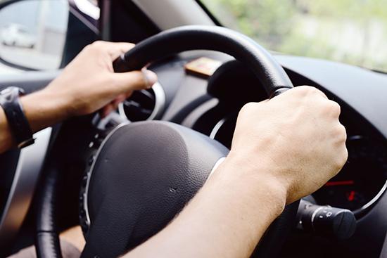 Вибрация на холостых на руль и на кузов