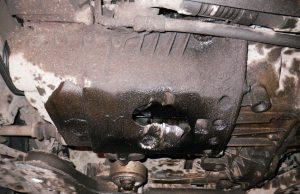 Пробило поддон картера двигателя