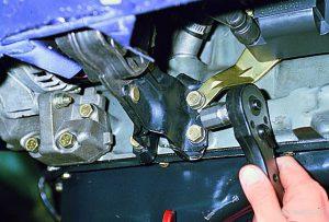Как поменять опоры подушки двигателя