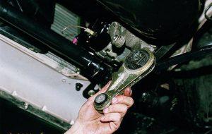 Замена подушки (опоры) двигателя
