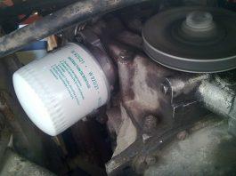 Течет масло из-под масляного фильтра