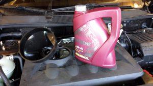 Как нужно доливать моторное масло