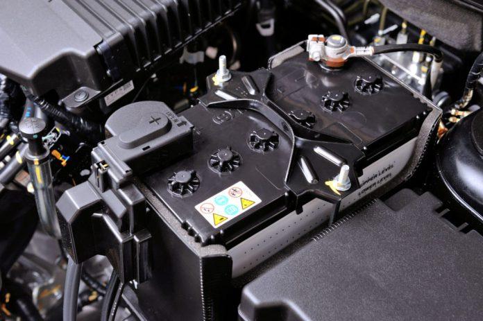 Мутный черный грязный электролит в аккумуляторе автомобиля причины