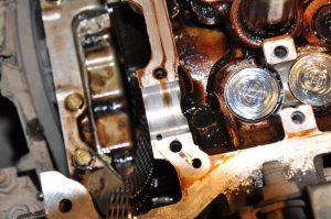 Когда использовать промывочное масло в моторе