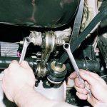 Как самому поменять подушки опоры двигателя