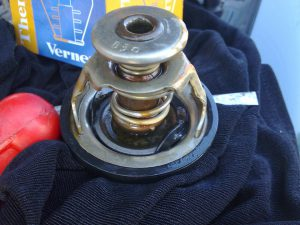Двигатель не прогревается причины термостат