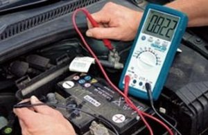 Проверка аккумулятора при заведенном двигателе