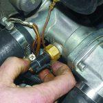 Где расположен датчик температуры двигателя и как его проверить
