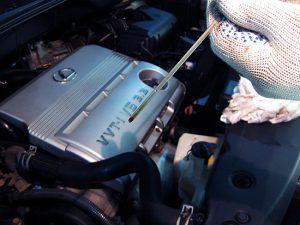Причины повышения уровня масла в двигателе