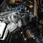 Двигатель захлебывается и глохнет при нажатии на педаль газа причины