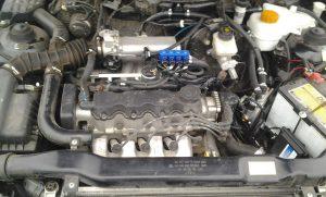 Мотор троит на газе причины
