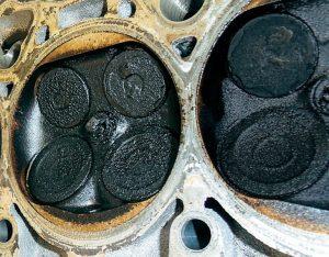 Масло в цилиндре двигателя причины