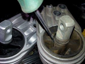 Опора подушка двигателя устройство