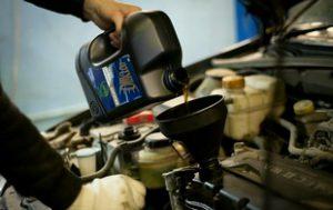 Какое масло лучше залить в двигатель