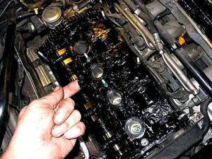 Зачем менять моторное масло