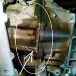 Течь масла между двигателем и коробкой передач причины ремонт