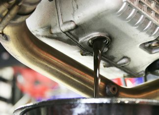 Нужно ли менять масло в механической коробке