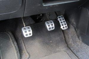 Мягкая педаль тормоза