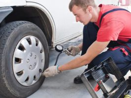 Давление в шинах автомобиля какое давление поддерживать как правильно качать шины
