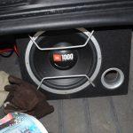 Как установить сабвуфер в машину