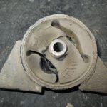 Порванная подушка двигателя признаки симптомы
