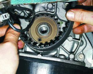 Как поменять ремень ГРМ ВАЗ 2109