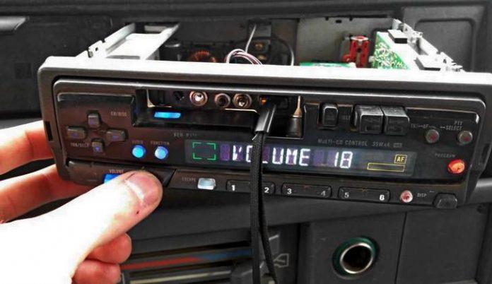 Как подключить USB к магнитоле старая магнитола с ЮСБ