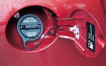 Вода в бензобаке как убрать воду из топливного бака способы