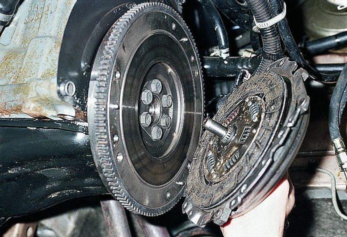 Сцепление ВАЗ 2110 замена сцепления ВАЗ 2110 своими руками
