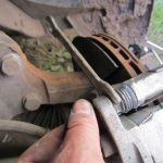 Прокачивать тормоза после замены колодок
