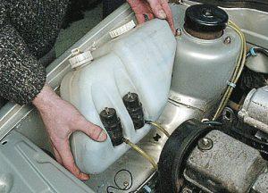 Не работает омыватель лобового причины бачок омывателя моторчик омывателя насос омывателя