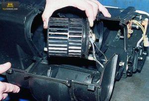Моторчик печки ВАЗ 2114-2115 замена своими руками
