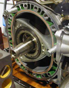 Роторный двигатель Ванкеля устройство принцип работы плюсы минусы