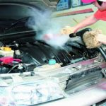 Сухая мойка двигателя автомобиля