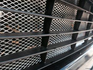 Сетка решетки радиатора и сетка в бампер плюсы минусы
