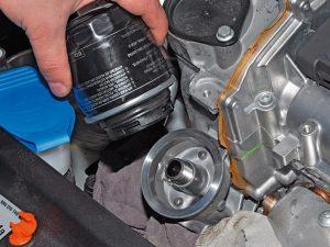 Замена масла в двигателе Фольксваген Поло своими руками