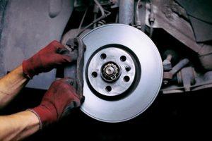Как заменить тормозные колодки передние и задние