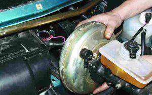 Как снять вакуумный усилитель ВАЗ 2110